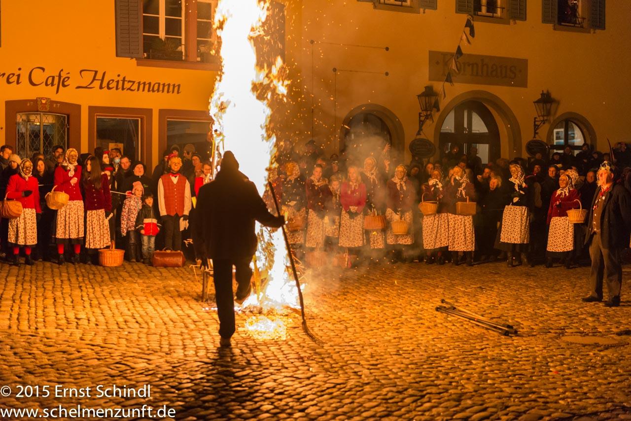 Fasnet-Staufen_2015_Schindl_Verbrennung-10.jpg
